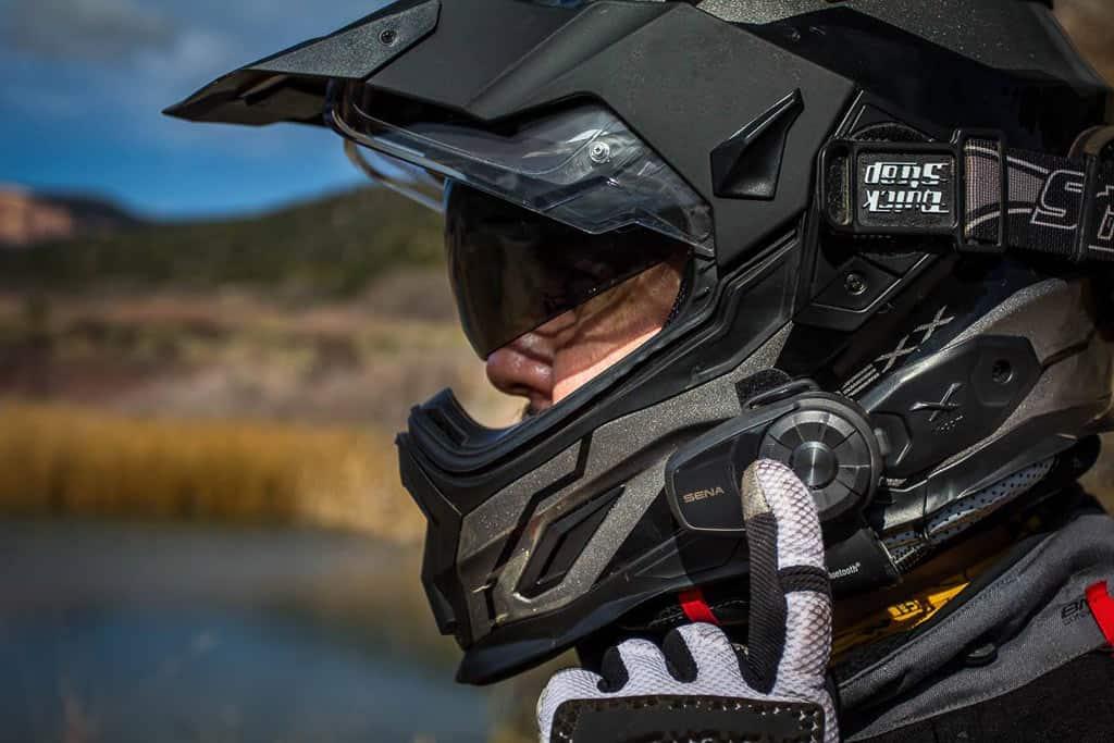 d7e9813a7be Top 4 Best Motorcycle Bluetooth Headsets for Music - TechYukti
